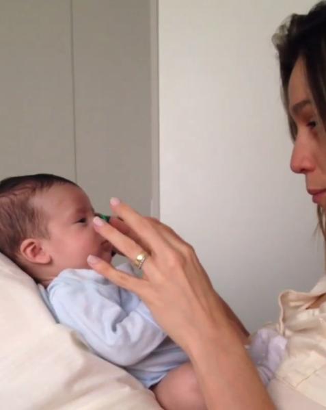 Fernanda Gentil com o filho, Gabriel (Foto: Reprodução/Instagram)
