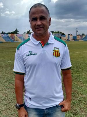Oliveira Canindé valoriza empate diante do Santa Quitéria pelo Estadual (Foto: Afonso Diniz/GloboEsporte.com)