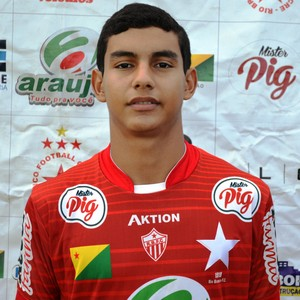 Hugo Monteiro (Chumbo), 16 anos, lateral-esquerdo Rio Branco (Foto: Duaine Rodrigues)