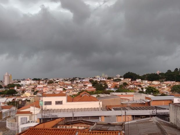 Temporal atinge Campinas nesta tarde de sábado (12) (Foto: Cleber Mariano/ VC no G1)