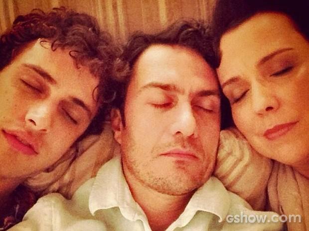 Ronny Kriwat, Gabriel Braga Nunes e Ana Beatriz Nogueira 'dormiram' no camarim do Projac (Foto: Arquivo Pessoal)
