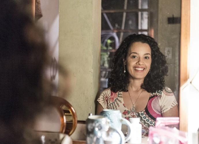 Maeve Jinkings celebra novo momento da personagem (Foto: Ellen Soares / Gshow)