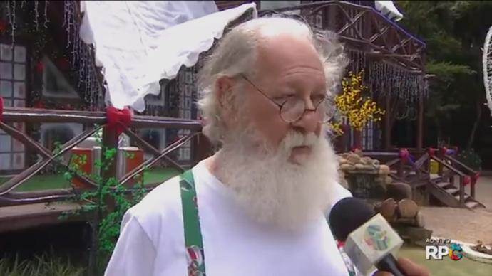 O Papai Noel adorou o look fresquinho (Foto: Reprodução/RPC)
