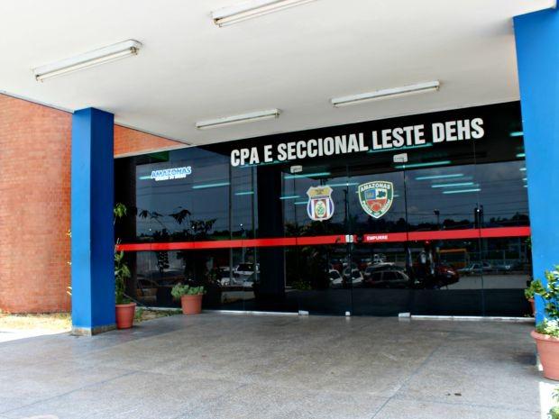 Suspeito foi apresentado na DEHS, Zona Leste de Manaus (Foto: Sérgio Rodrigues/ G1 AM)