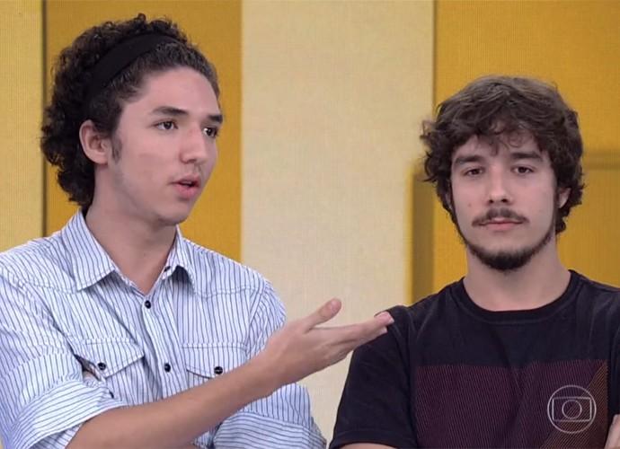 João Vitor Silva e Vitor Novello participam do 'Vídeo Show' (Foto: Vídeo Show / TV Globo)
