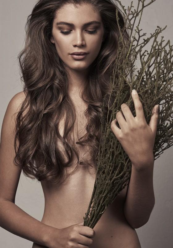 Por causa da capa da Vogue Paris, Valentina está sendo disputadíssima para trabalhos na Europa (Foto: Gabriel de Moura)