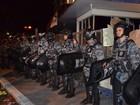 Grupo radical joga pedras e tenta invadir a Prefeitura de Aracaju