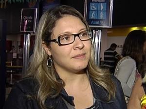 Kátia reclama da demora e falta de estrutura para emergências (Foto: Reprodução / TV TEM)