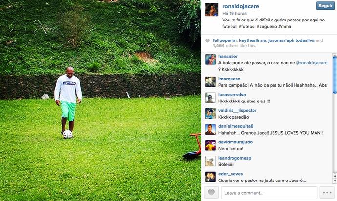 Ronaldo Jacaré joga futebol e seguidores comentam postagem (Foto: Divulgação/Instagram)