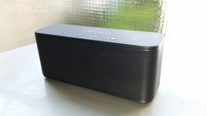 Samsung Level Box mini: compacta, combina facilmente com o ambiente (Foto: Tassia Moretz/TechTudo)