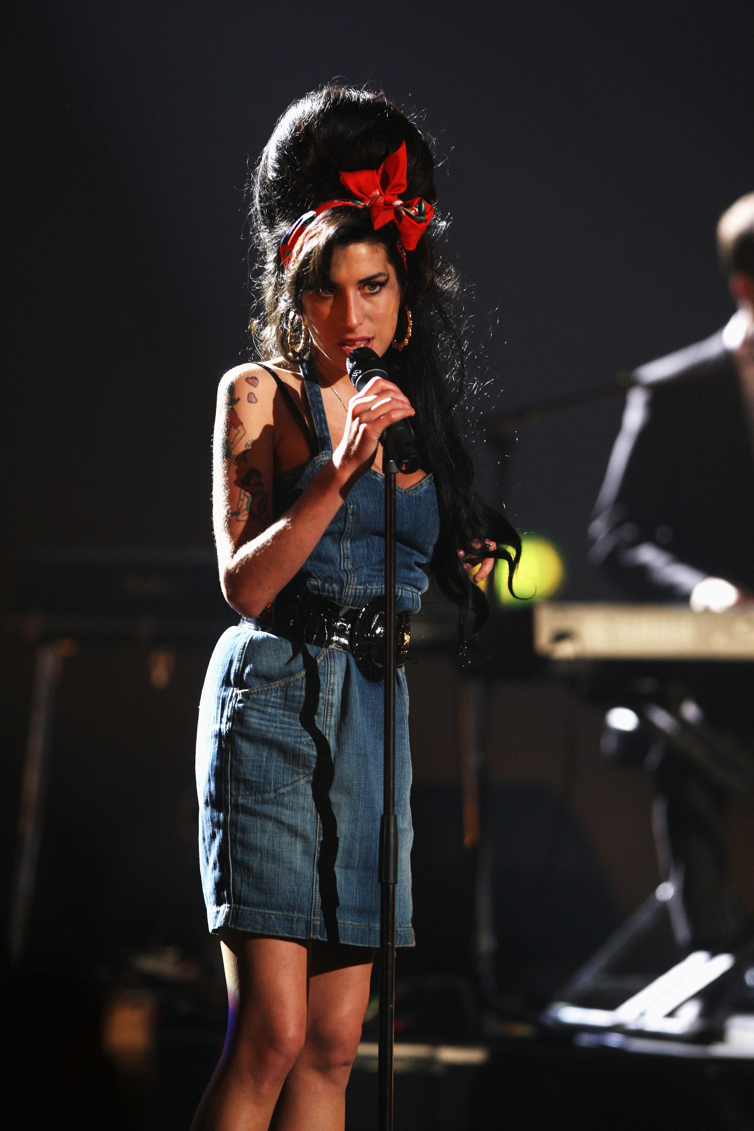 MUNICH, GERMANY - NOVEMBER 01:  Amy Winehouse performs during the show at the MTV Europe Music Awards 2007 at the Olympiahalle on November 1, 2007 in Munich, Germany.  (Photo by Sean Gallup/Getty Images for MTV) (Foto: Getty Images for MTV)