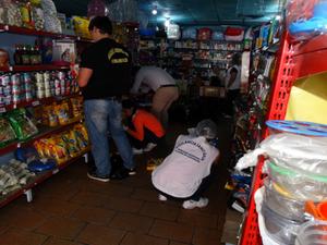 Ação conjunta da Adagro, Visa e Apevisa interdita farmácia veterinária em Garanhuns (Foto: Assessoria Adagro)
