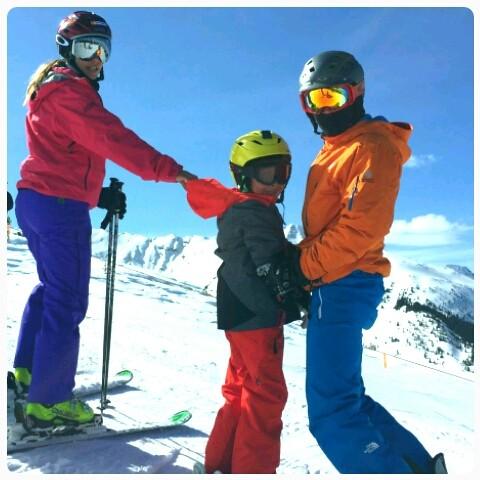 Ivete posa ao lado do pequeno Marcelo e de Daniel Cady: farra gelada em Aspen (Foto: Álbum dafamilia)