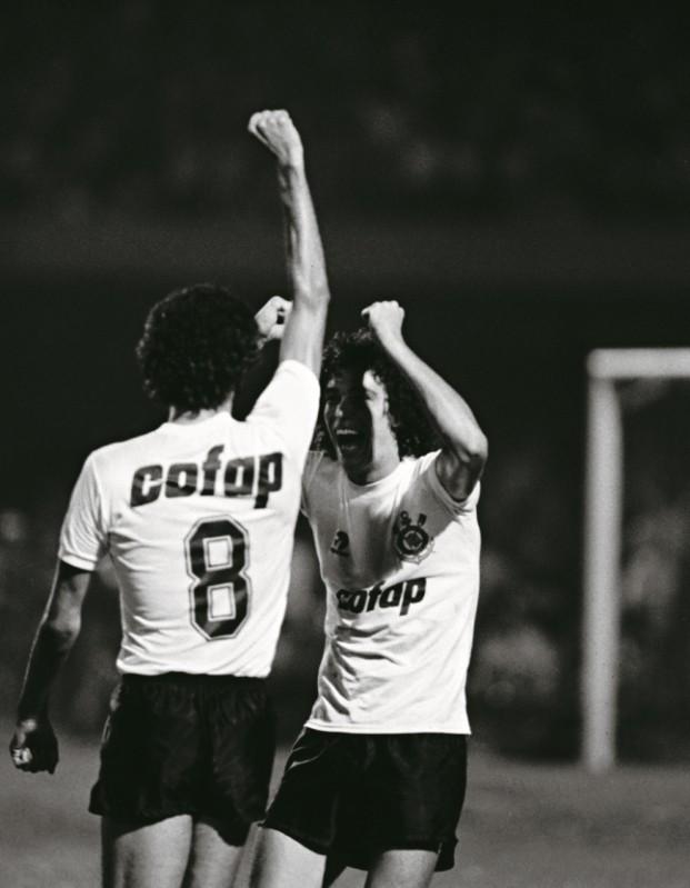 Sócrates e Casagrande (Foto: Lucas Lacaz Ruiz - Agência O Globo)