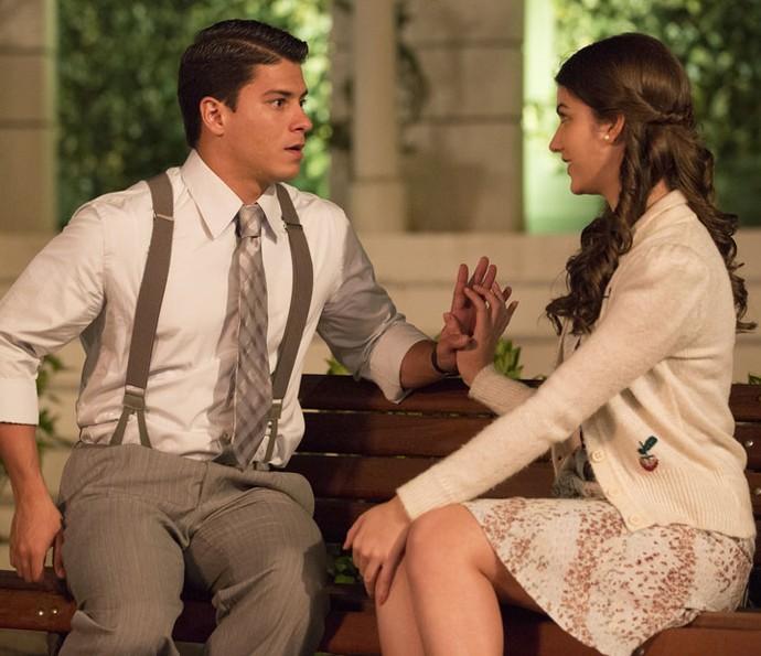 Osório finalmente tem permissão para namorar Geruza (Foto: Felipe Monteiro/Gshow)
