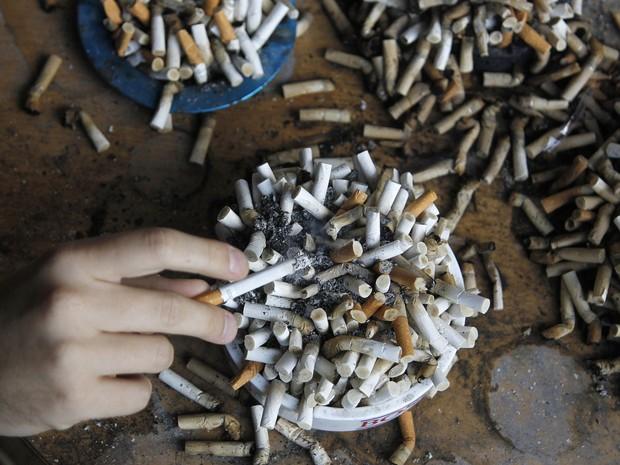 #cigarro (Foto: Srdjan Zivulovic/Reuters)