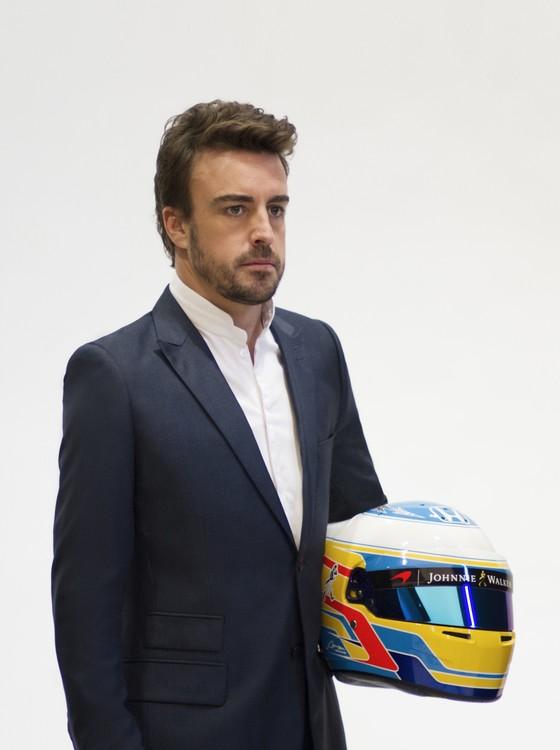 Fernando Alonso foi clicado para a grife brasileira Aramis em Barcelona (Foto: Divulgação)