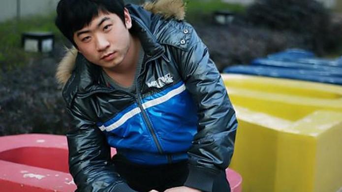 """Jiao """"Banana"""" Wang compensa estranho apelido com grande fortuna (Foto: Reprodução/2P)"""