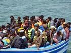 Tunísia resgata 350 imigrantes que iam de barco da Líbia para Itália