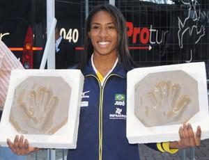 Ketleyn Quadros comemora fase sem lesões para lutar Grand Slam do Rio