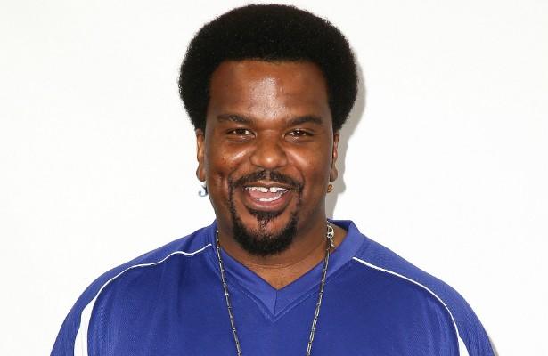 Em outubro de 2013, quando tentava embarcar em um avião rumo aos EUA, o ator norte-americano Craig Robinson, do seriado 'The Office' (2005–2013), acabou detido no aeroporto de Nassau, capital das Bahamas. A polícia encontrou maconha e ecstasy na bagagem do artista, que pagou uma multa de 1 mil dólares e foi expulso da ilha caribenha. (Foto: Getty Images)