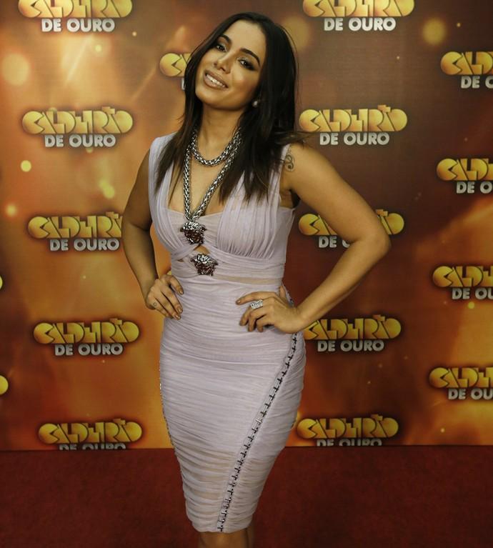 Anitta usa look da Versace no Caldeirão de Ouro (Foto: Raphael Dias/Gshow)