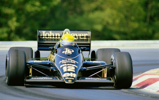 Ayrton Senna a bordo da Lotus no GP da Hungria de 1986 (Foto: Getty Images)