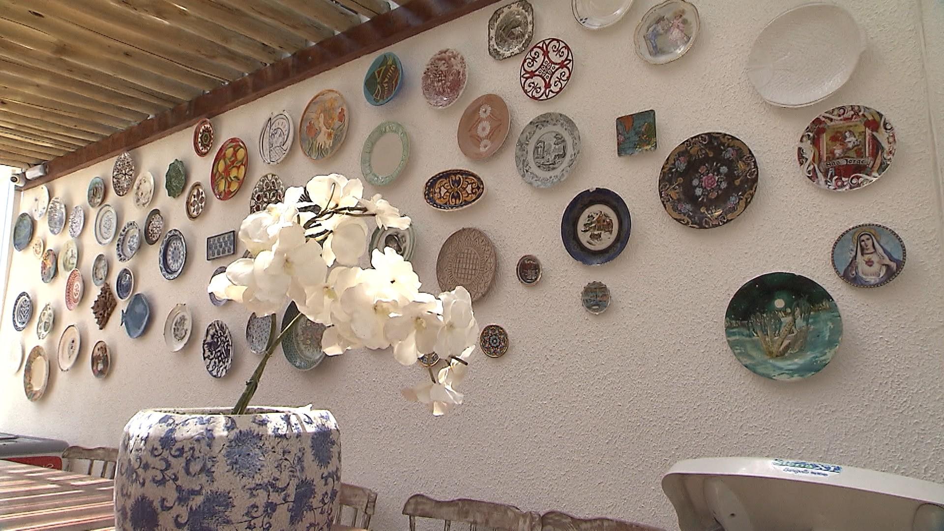 Mix de pratos dá charme a ambientes internos e externos (Foto: Divulgação)