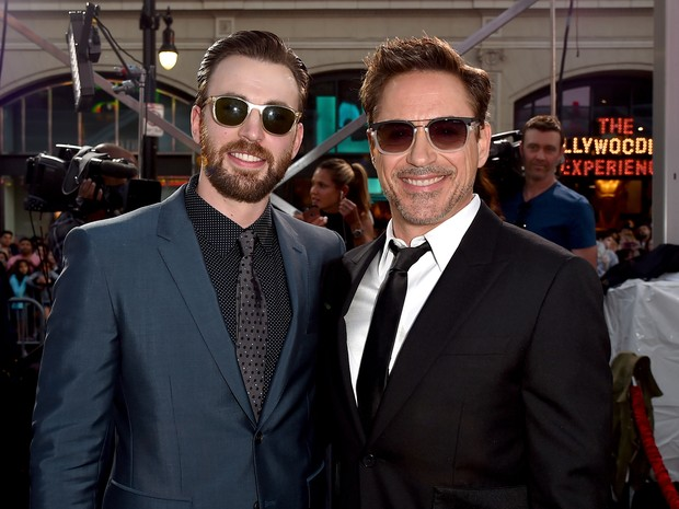 Chris Evans e Robert Downey Jr. em première em Los Angeles, nos Estados Unidos (Foto: Kevin Winter/ Getty Images/ AFP)