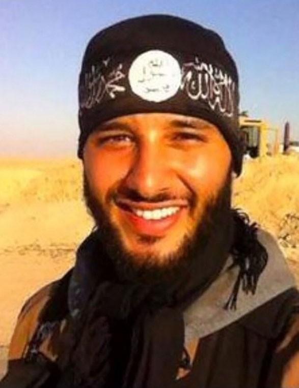 Fued Mohamed Aggad, natural de Estrasburgo, é o terceiro homem-bomba que foi identificado pela polícia francesa (Foto: AFP)