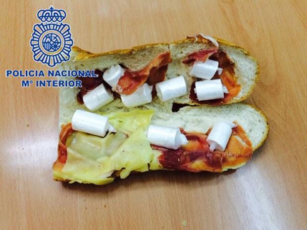 Polícia espanhola apreendeu cocaína escondida em sanduíche (Foto: AFP)