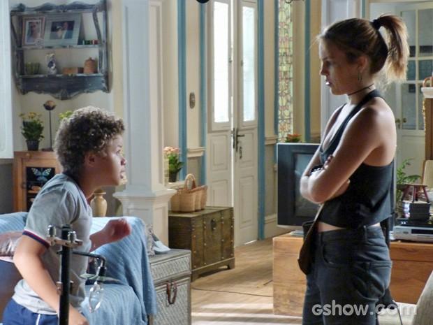 Pedro dá um choque de realidade na irmã (Foto: TV Globo / Malhação)