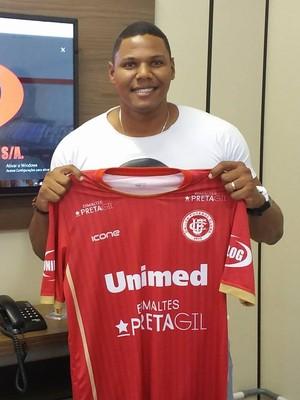Walter, novo goleiro do Unilog (Foto: Richard Pinheiro/GloboEsporte.com)