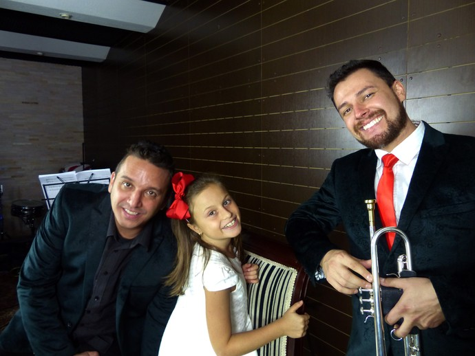 Só sorrisos nos bastidores da gravação (Foto: Divulgação/RPC)
