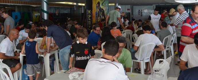 copa do mundo, troca de figurinhas, joão pessoa (Foto: Lucas Barros / GloboEsporte.com/pb)