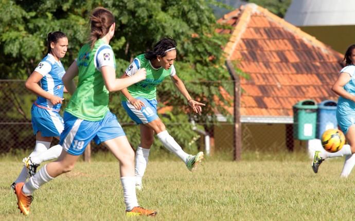 A paraguaia Dulce Maria é uma dos destaques do Foz Cataratas que permanece no time para a temporada 2016 (Foto: Chistian Rizzi / Foz Cataratas / Divulgação)