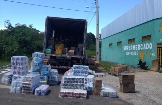 Os restaurantes e supermercados reforçaram os estoques de alimentos em Alto Paraíso de Goiás (Foto: Elisângela Nascimento/G1)