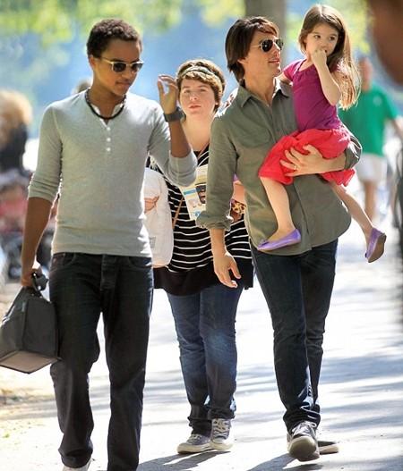 Tom Cruise tem três filhos, dois de seu relacionamento com Nicole Kidman e a pequena Suri, fruto do casamento com Katie Holmes. (Foto: Divulgação)