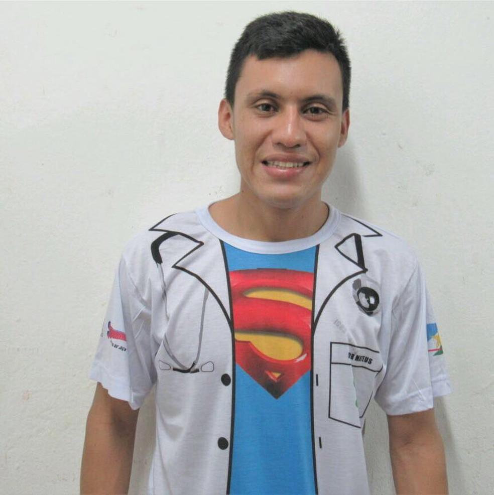 Igor Mateus Pereira, indígena da etnia Macuxi, cursa o segundo ano de medicina na UFRR (Foto: Arquivo pessoal)