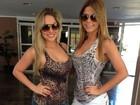 Ex-BBBs Cacau e Renatinha mostram cinturinha em foto