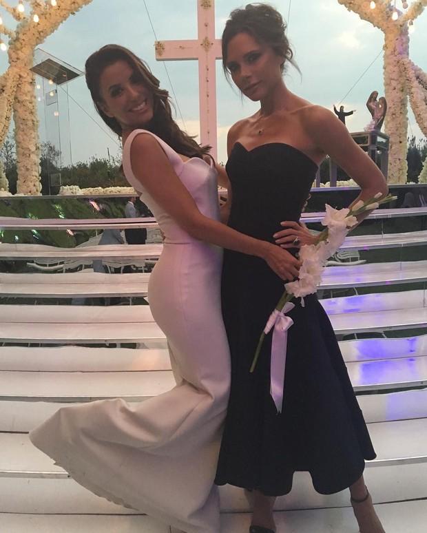 Victoria Beckham e Eva Longoria em festa de casamento (Foto: Reprodução/ Instagram)