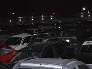 Veículos apreendidos ficam no pátio do CRD, empresa que presta serviço para o Detran (Foto: Érico Veríssimo/G1RR)