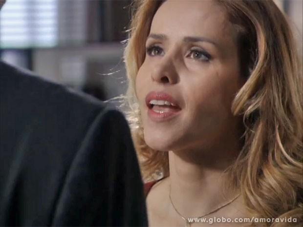 Glauce demonstra atração por Félix (Foto: Amor à Vida/TV Globo)