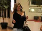 Cristiana Oliveira passeia em shopping e fala com os paparazzi
