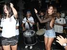 Sabrina Sato e Thaila Ayala festejam título do Corinthians sambando
