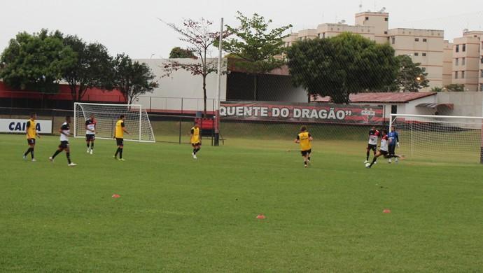 Treino - Atlético-GO (Foto: Fernando Vasconcelos / GloboEsporte.com)