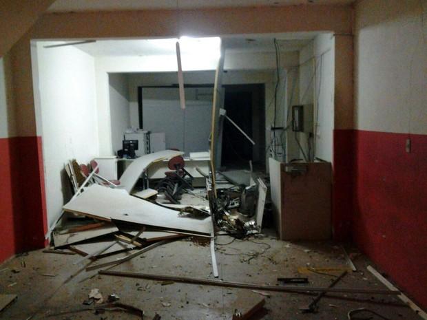 Explosão de caixa eletrônico em Jataúba (Foto: Divulgação/ Polícia Militar)