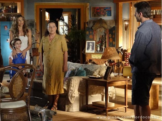 Samuca vê Cassiano na casa dos avós (Foto: Flor do Caribe/ TV Globo)