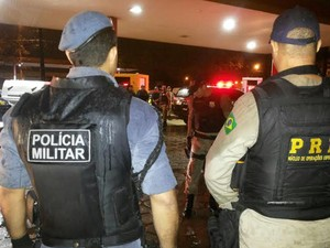 Operação apreende arma de fogo e interdita festa no Maracanã (Foto: Reprodução/PRF)