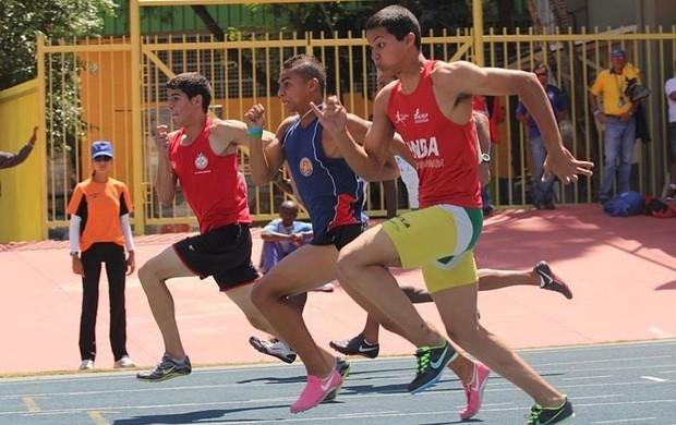 O atleta João Gabriel Pedroso durante prova do Campeonato Paulista de Atletismo (Foto: Divulgação)